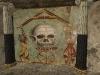 Wandmosaik mit Totenkopf